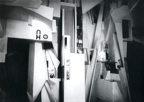Kurt Schwitters – Merzbau, 1933